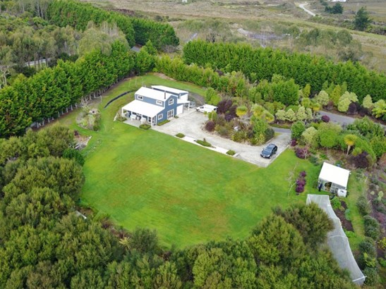240 Alma Road, Cape Foulwind, Buller - NZL (photo 2)