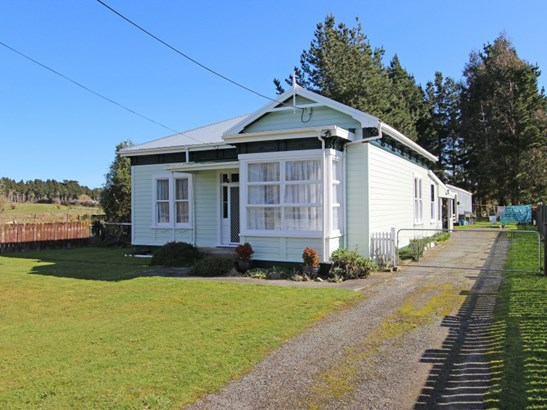 30 Stanly Street, Eketahuna, Tararua - NZL (photo 1)