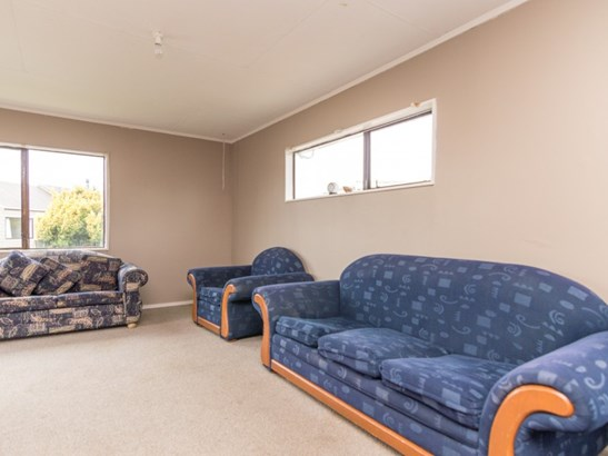 17 Peter Hall Drive, Kelvin Grove, Palmerston North - NZL (photo 4)