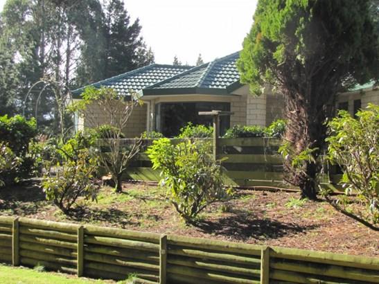 36 Ramsay Drive, Acacia Bay, Taupo - NZL (photo 2)