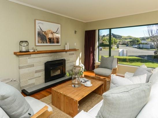 16 Surrey Street, Taradale, Napier - NZL (photo 2)