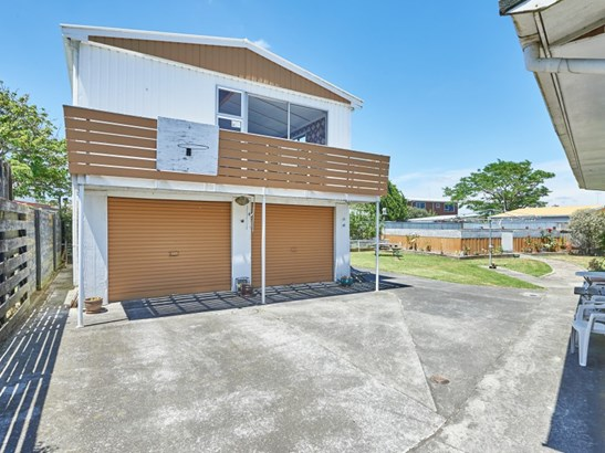 27 John F Kennedy Drive, Milson, Palmerston North - NZL (photo 2)