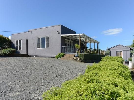 6 Kenderdine Road, Elsthorpe, Central Hawkes Bay - NZL (photo 2)