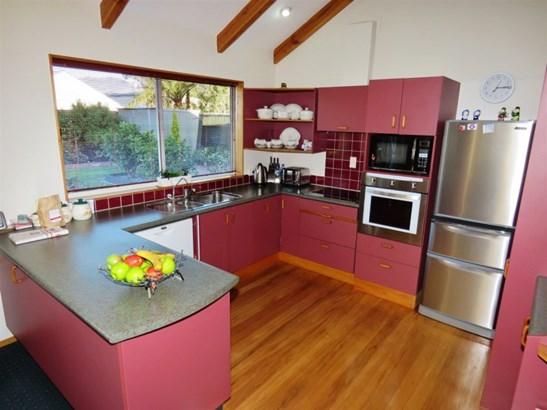 6 Harkness Place, Westport, Buller - NZL (photo 2)
