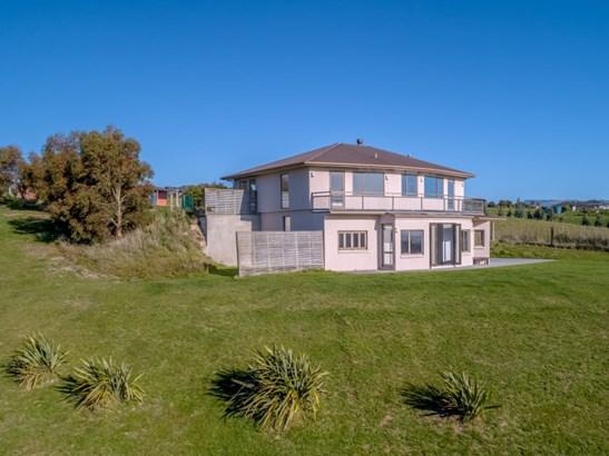 89 Sutherland Drive, Martinborough, South Wairarapa - NZL (photo 2)
