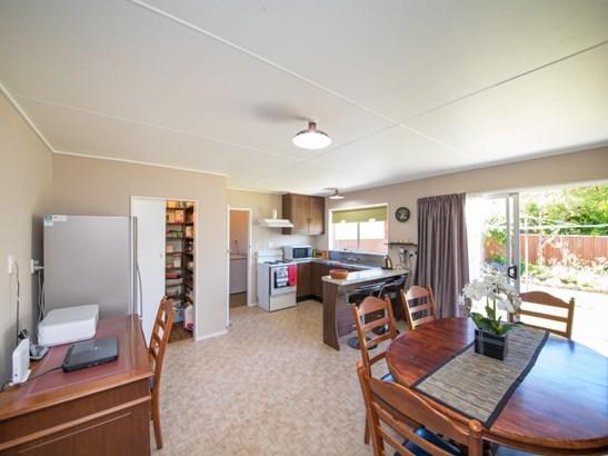 1 Calder Place, Feilding - NZL (photo 3)