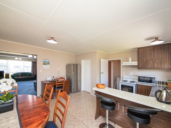 1 Calder Place, Feilding - NZL (photo 5)