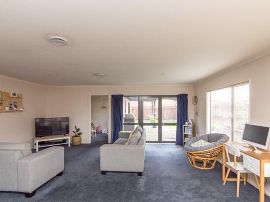 12 Parnell Heights Drive, Kelvin Grove, Palmerston North - NZL (photo 2)