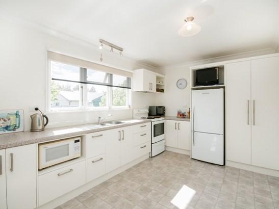 201 Caroline Place, Mayfair, Hastings - NZL (photo 2)