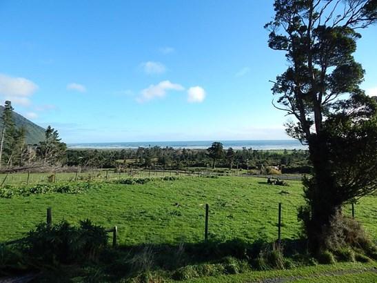1/2624 State Highway 6, Barrytown, Grey - NZL (photo 2)