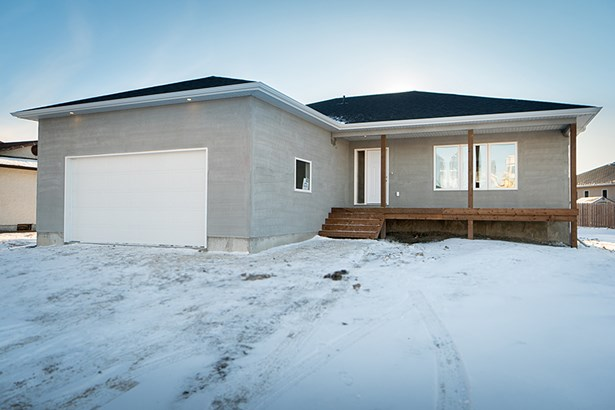 620 Knowles Avenue, Winnipeg, MB - CAN (photo 1)