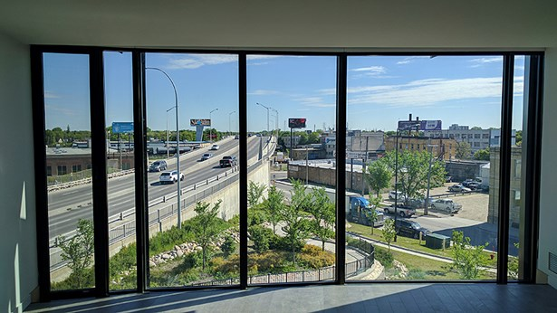 102-540 Waterfront Drive, Winnipeg, MB - CAN (photo 2)