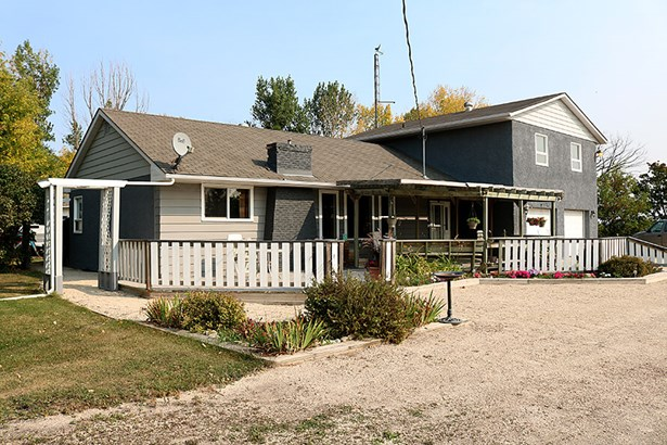 23109 Springfield Road, Oakbank, MB - CAN (photo 1)