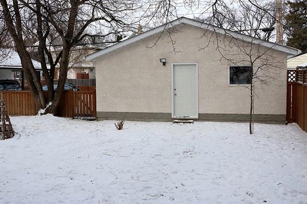 525 Jubilee Avenue, Winnipeg, MB - CAN (photo 4)