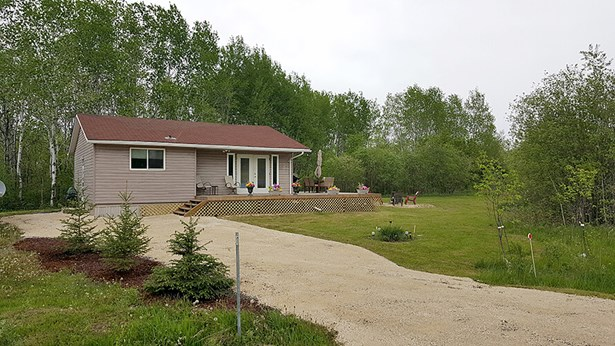 17 Tepe Bay, Lac Du Bonnet, MB - CAN (photo 1)