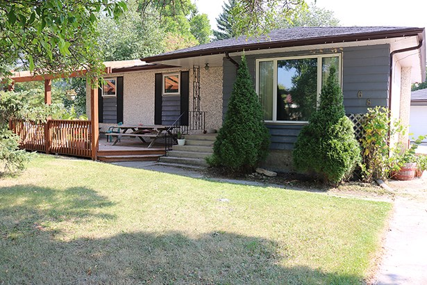 685 Pine Drive, Oakbank, MB - CAN (photo 1)
