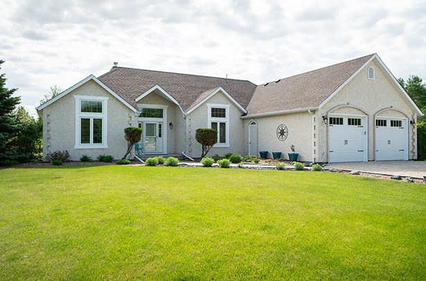 55 Laden Crescent, Rm Of Springfield, MB - CAN (photo 1)
