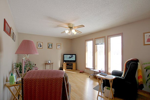 60148 Eastdale Road, Anola, MB - CAN (photo 4)