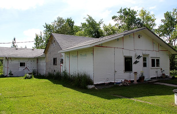 39057 Oakwood Road, Rm Of Springfield, MB - CAN (photo 2)