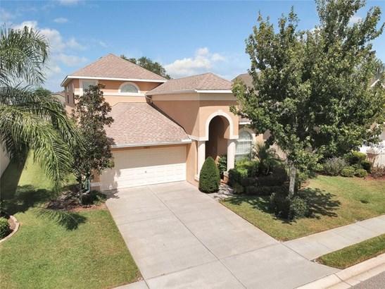 Single Family Residence, Contemporary - WESLEY CHAPEL, FL