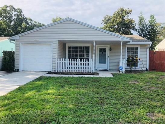 Single Family Residence - PALM HARBOR, FL