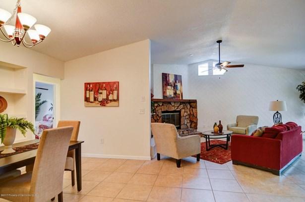 Single Family Residence, Contemporary - New Port Richey, FL (photo 3)