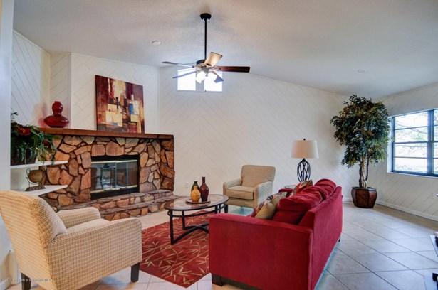 Single Family Residence, Contemporary - New Port Richey, FL (photo 4)