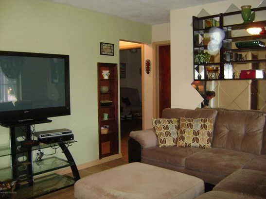 Single Family Residence, Ranch - New Port Richey, FL (photo 5)