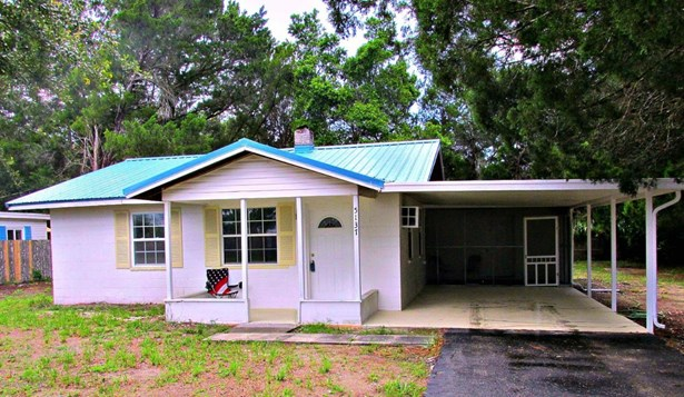Single Family Residence, Ranch - Weeki Wachee, FL (photo 1)