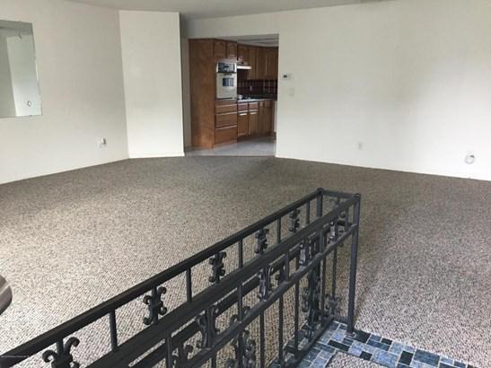 Single Family Residence, Contemporary - Port Richey, FL (photo 3)