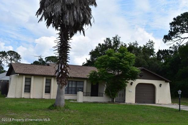 Mediterranean, Single Family Residence - Spring Hill, FL
