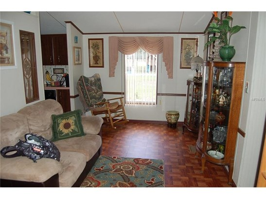 Traditional, Manufactured/Mobile Home - WESLEY CHAPEL, FL (photo 2)