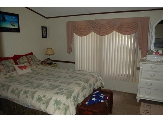 Traditional, Manufactured/Mobile Home - WESLEY CHAPEL, FL (photo 3)