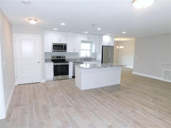 Single Family Residence, Contemporary - TEMPLE TERRACE, FL (photo 2)