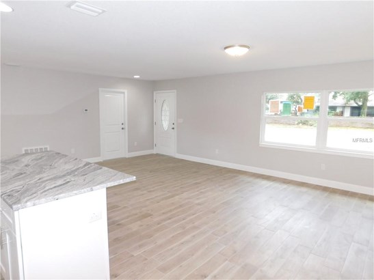 Single Family Residence, Contemporary - TEMPLE TERRACE, FL (photo 3)