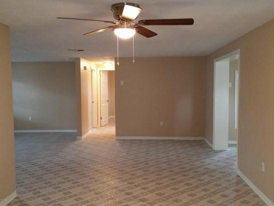 Single Family Residence, Ranch - Holiday, FL (photo 4)