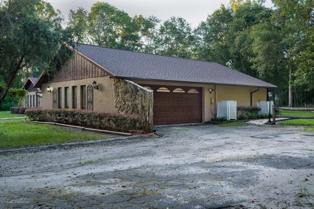 Single Family Residence, Contemporary - Brooksville, FL (photo 5)