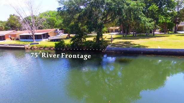 Single Family Residence - Weeki Wachee, FL (photo 5)