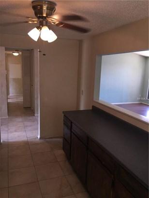 Single Family Residence, Contemporary - OLDSMAR, FL (photo 5)