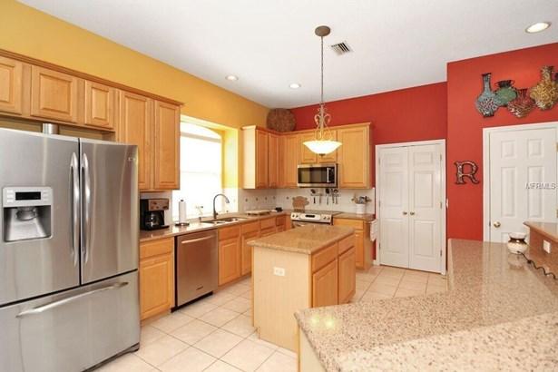Single Family Residence, Traditional - LAND O LAKES, FL (photo 5)
