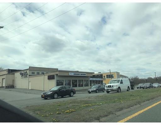 372 Squire Rd, Revere, MA - USA (photo 2)