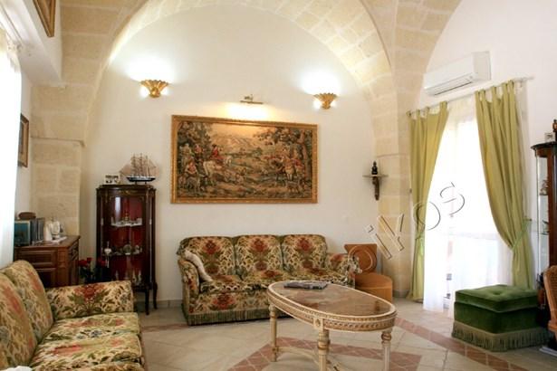 Via Torre Santa Susanna, Oria - ITA (photo 3)