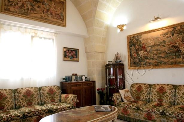 Via Torre Santa Susanna, Oria - ITA (photo 5)
