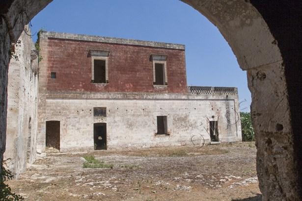 Via Manduria, Oria - ITA (photo 1)