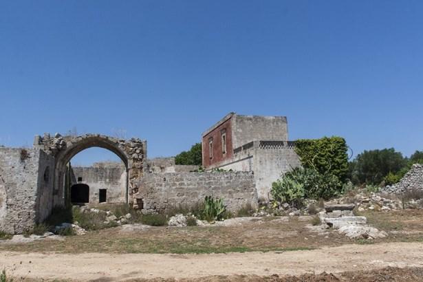 Via Manduria, Oria - ITA (photo 4)
