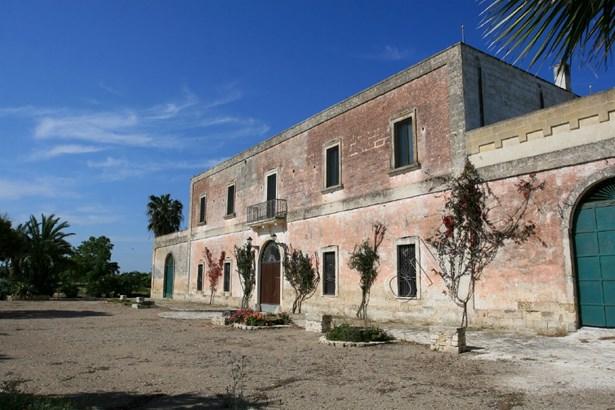 Sp 109 Sp, Campi Salentina - ITA (photo 1)