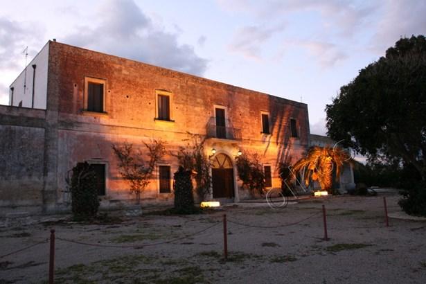 Sp 109 Sp, Campi Salentina - ITA (photo 2)