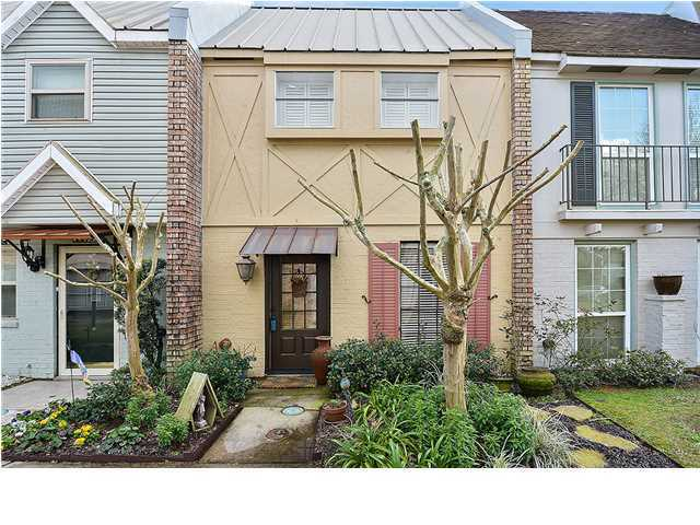 Townhouse,Attached Single Family, New Orleans - Lafayette, LA (photo 1)