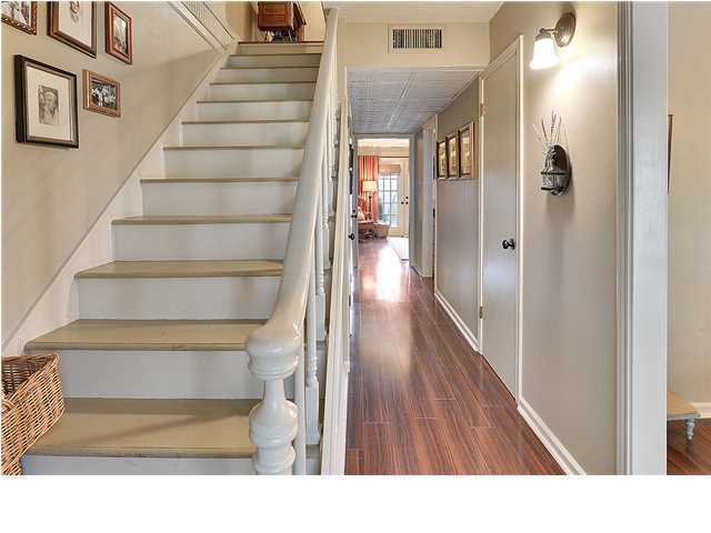 Townhouse,Attached Single Family, New Orleans - Lafayette, LA (photo 2)