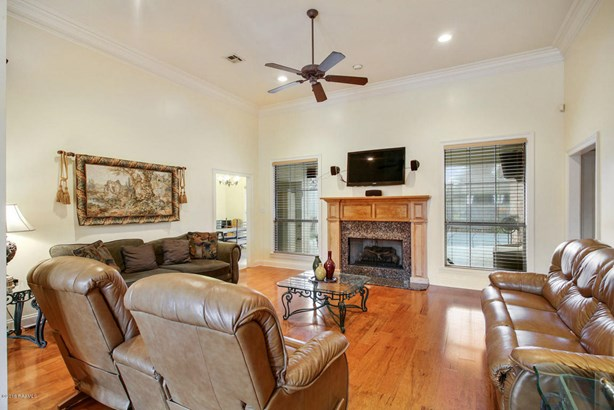Detached Single Family, French,Traditional - Youngsville, LA (photo 2)